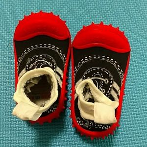 NEW! Skidders, Socks with soles Shoes, Tot size 8